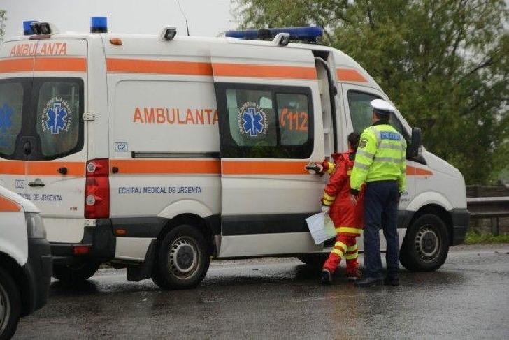Un minor în vârstă de 6 ani a ajuns de urgenţă la spitalul din Vălenii de Munte,dupa un accident auto