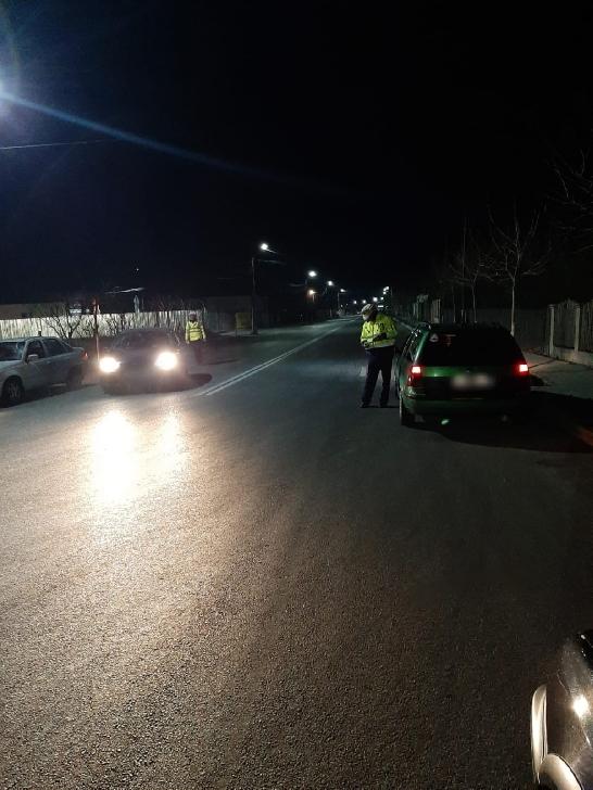 Poliţiştii prahoveni au dat 98 de sancţiuni contravenţionale pentru abateri în trafic