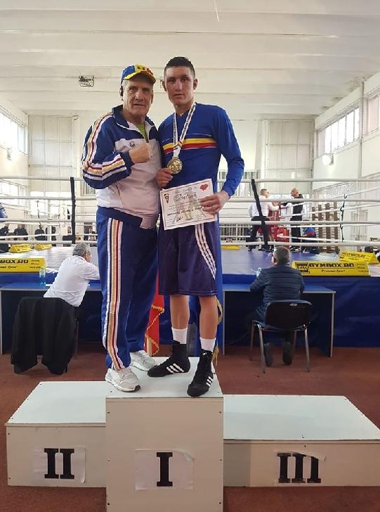 Boxerul George Dumitrescu, din nou campion naţional de seniori