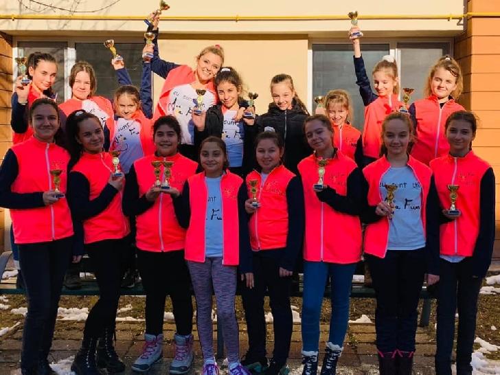 Şcoala de dans şi teatru DyaFun, două trofee la Magic Star Festival