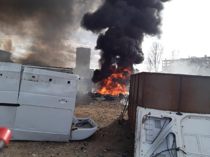 Incendiu violent, la Pleaşa. ISU Prahova a mobilizat 5 echipaje de stingere şi un echipaj Smurd