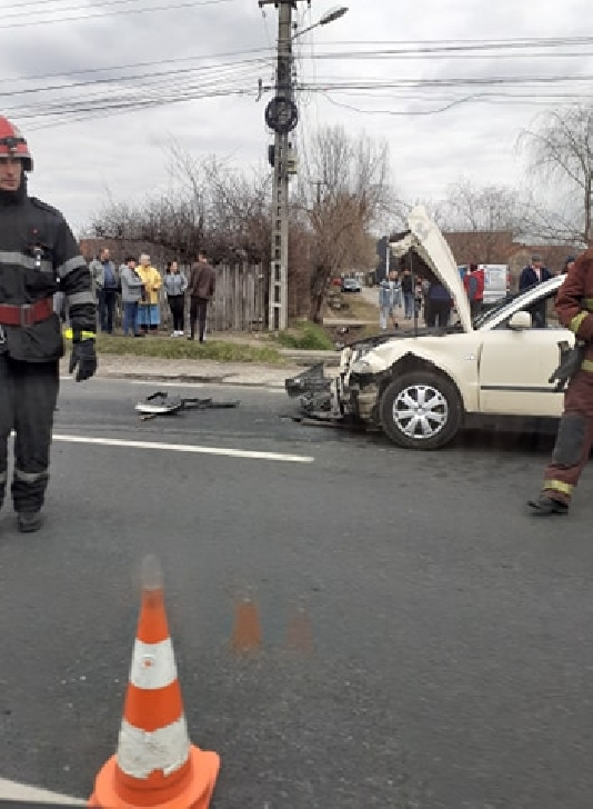 Accident rutier la Valea Călugărească din cauza neacordării de prioritate