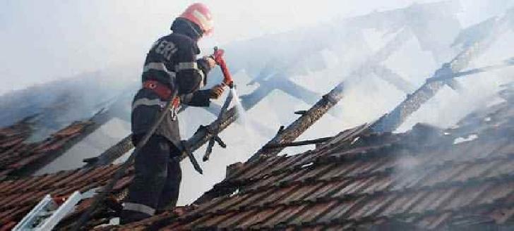O femeie a decedat într-un incendiu, la Sălciile