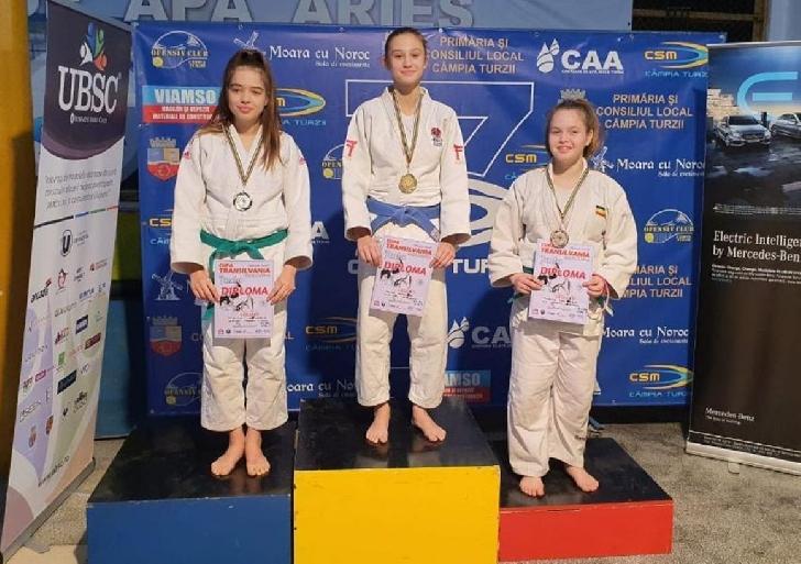 "Judoka Vanesa Tolea, locul I la Turneul Internaţional ""Cupa Transilvania"""