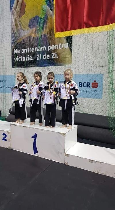 Clubul Sportiv Ambiţia Mădălin Ploiesti  a câştigat numeroase medalii la Campionatul Naţional de Chanbara