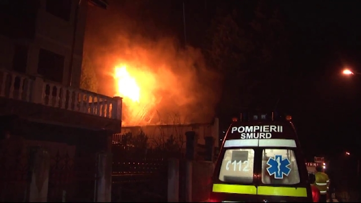 Incendiu la o casă particulară în Buşteni