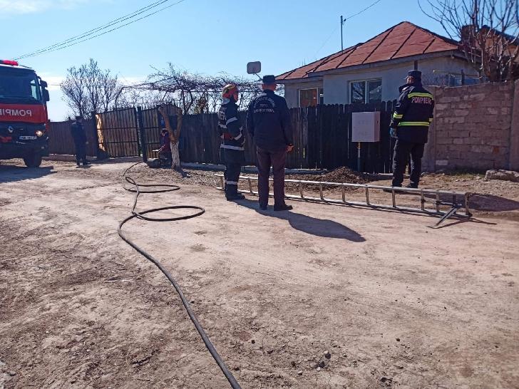 Incendiu la o casă particulară din comuna Cocorăştii Colţ