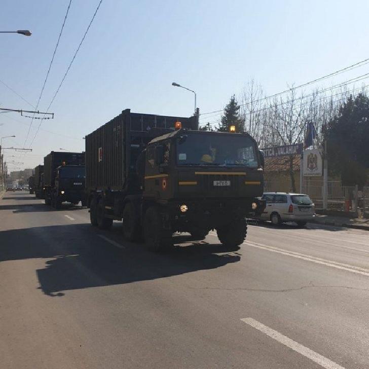 Militarii Bazei 2 Logistică Valahia din Ploieşti au fost solicitaţi să sprijine instalarea spitalului mobil de la Institutul Ana Aslan