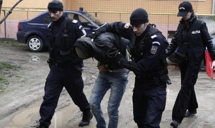 Un tânăr a fost reţinut , după ce a comis două tâlhării în Ploieşti