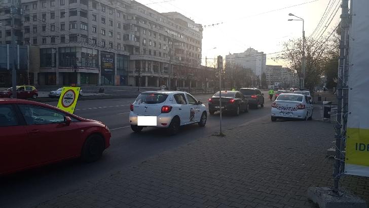 Filtre în centrul Ploiestiului, pentru depistarea şoferilor care nu aveau documentele obligatorii, conform Ordonatei Militare numărul 3