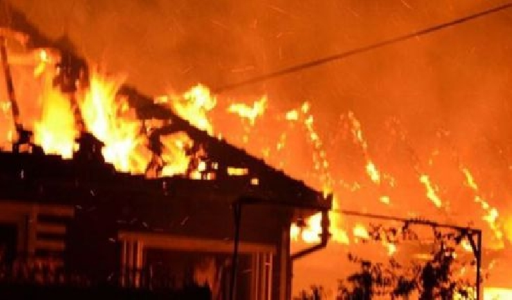 Incendiu la o casă particulară din Comarnic