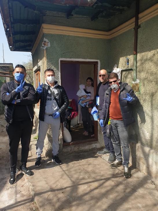 Un grup de ploieşteni au ajutat o familie nevoiaşă din municipiu