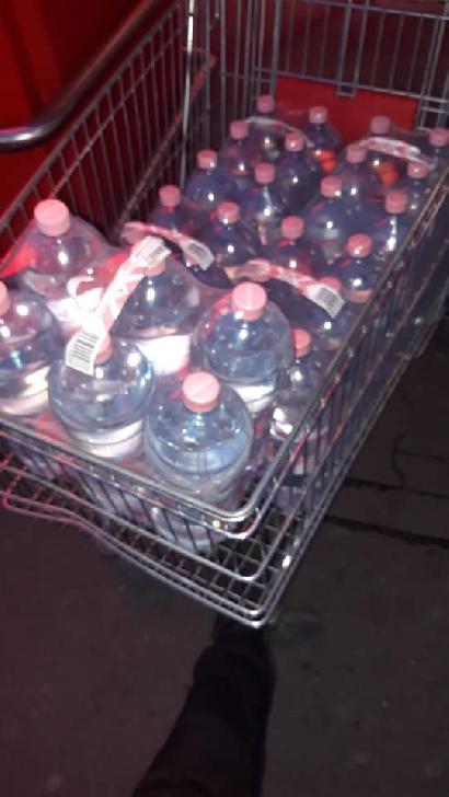 Campanie de donat apa pentru cadrele medicale de la UPU Prahova