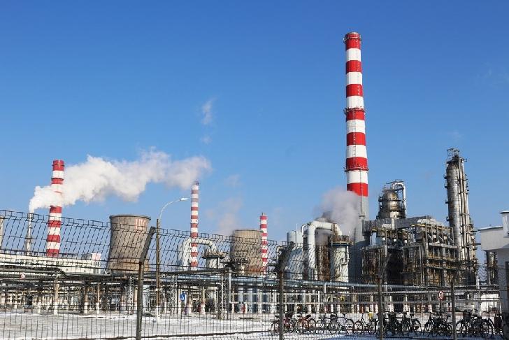 Un angajat al rafinăriei Lukoil din Ploieşti a fost confirmat  cu coronavirus-Covid 19