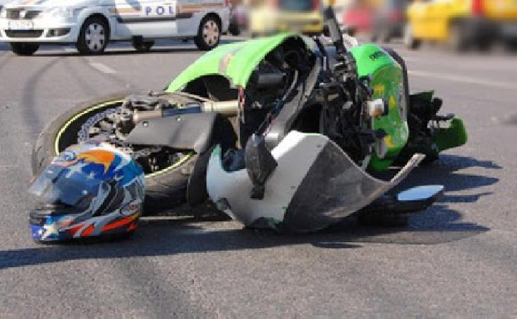 Accident rutier la Barcanesti . O motocicleta a acrosat un biciclist