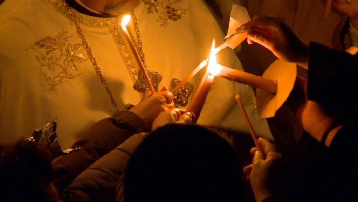 Cum vor primi credincioşii Lumina Sfântă. Acord între MAI şi Patriarhia Română