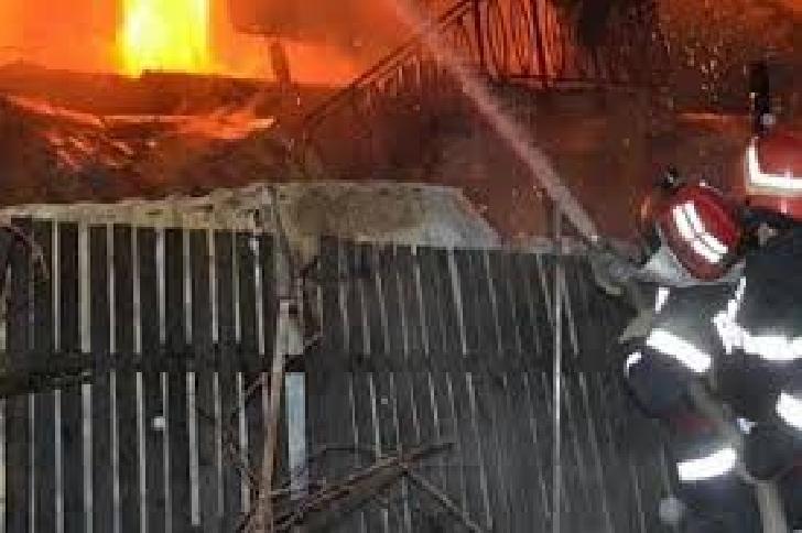 Incendiu la o casă particulară din satul Valea Cucului, comuna Iordăcheanu