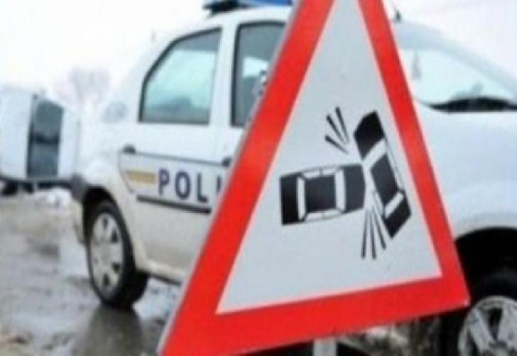 Accident rutier la Mizil. Două autoturisme au intrat în coliziune
