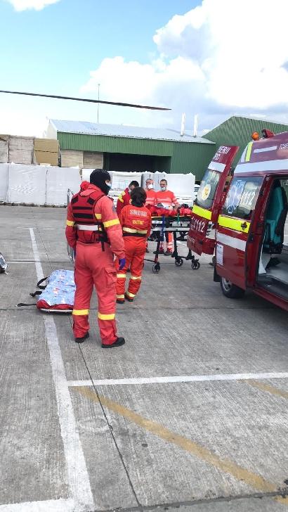Accident de muncă (grav) la Ceptura. A fost chemat un elicopter SMURD(foto si video )