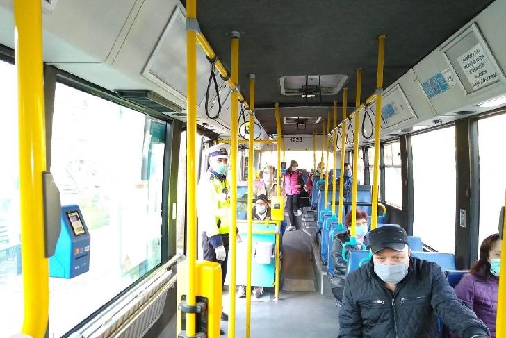 """Noile reguli pentru călătoria cu mijloacele de transport în comun sau în microbuzele """"private"""" din data de 15 mai 2020"""