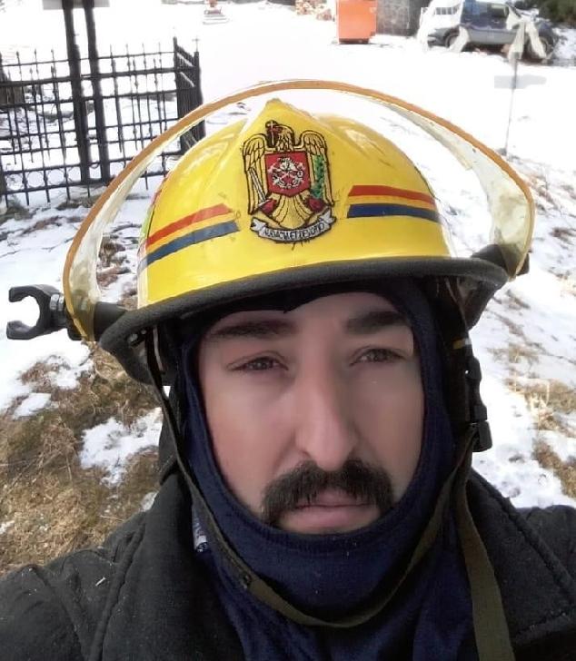Pompierii militari prahoveni , salvatori de vieti si in timpul liber
