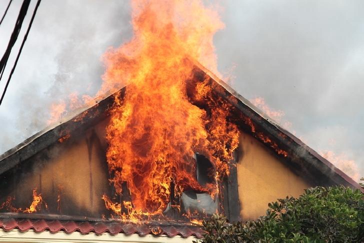 Incendiu la o casă particulară, în comuna Dumbrava,sat Trastienii de Sus