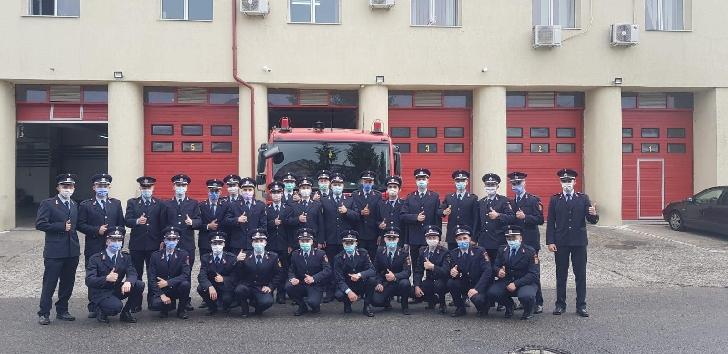 30 de elevi ai Şcolii de Pompieri, în practică la ISU Prahova