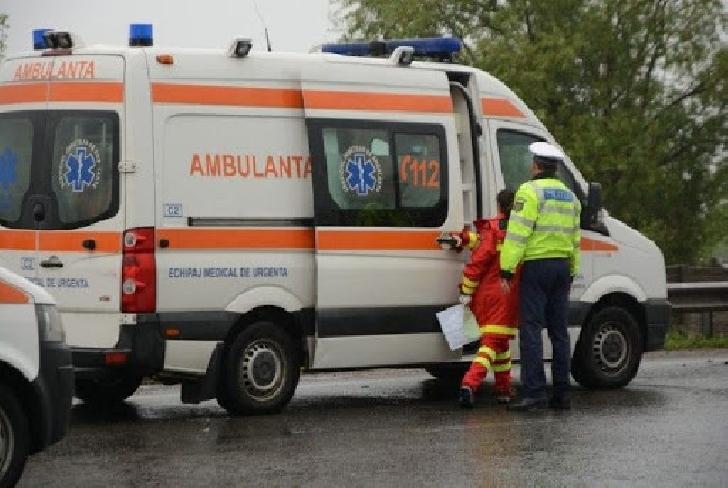 Accident rutier în Valea Călugărească. Două persoane au fost transportate la spital