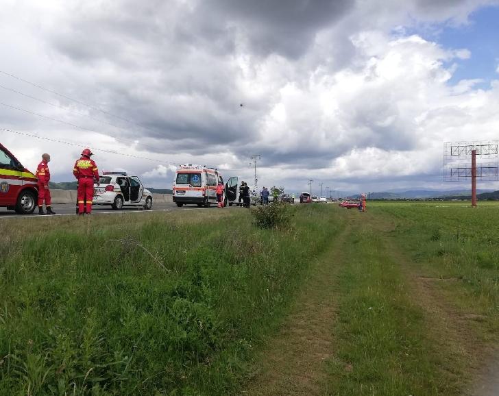 Accident pe DN 1 A,in zona localitatii Banesti. Un minor si un barbat au fost transportati la spital