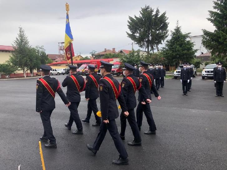 Elevii de la Şcoala de Pompieri Boldeşti au depus jurământul militar. Foto şi video