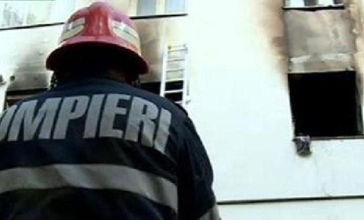 Incendiu la un apartament de pe strada Cosminele, de la o cratiţă uitată pe foc