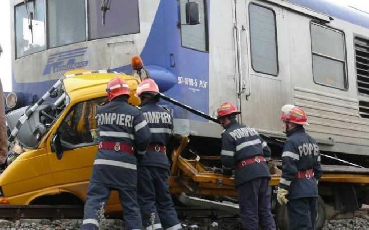 Accident feroviar între o locomotivă şi un autoturism, în satul Dambu