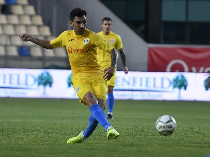Unicul derby.Remiză albă după un meci thriller. Petrolul Ploiesti-Rapid Bucureşti 0-0