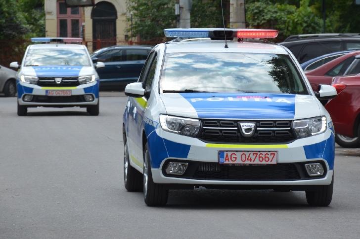 20 de autospeciale noi în dotarea Inspectoratului Judeţean de Poliţie Prahova (foto si video )