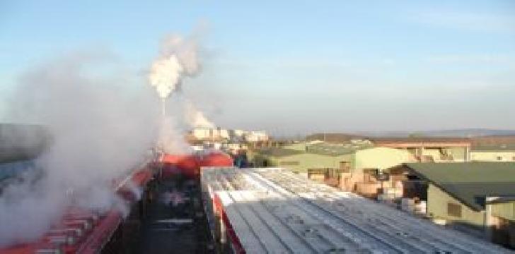 Incendiu la o instalaţie de uscare a lemnului din Câmpina