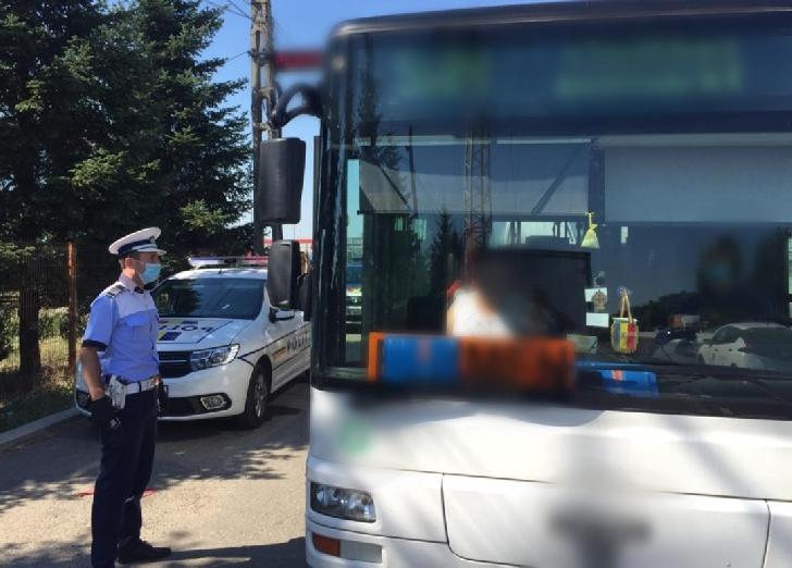 Prahova.Mijloacele de transport în comun verificate de poliţişti, în contextul pandemiei COVID-19