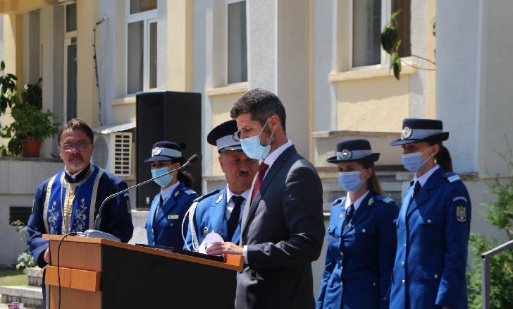 126 de jandarmi prahoveni  au fost avansaţi la gradul de ofiţer şi subofiţer