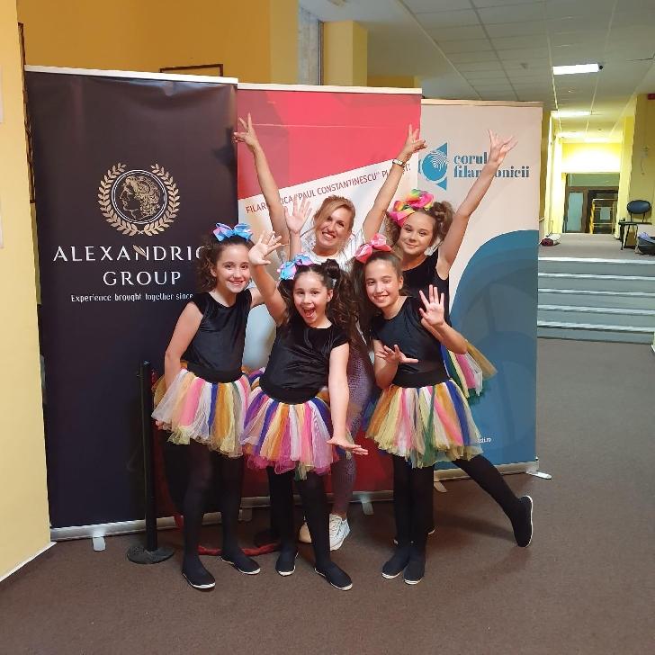 Miriam Stoica şi elevii Şcolii de canto  Vox Apollo  Ploieşti,semifinalişti la World Championships of Performing Arts