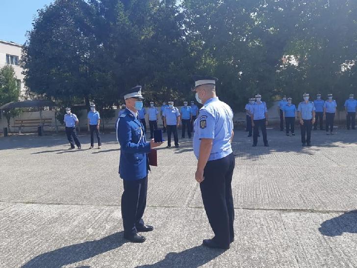 Un subofiter din cadrul  Inspectoratului de Jandarmi Judeţean Prahova a primit distinctii pentru participarea la misiuni internationale