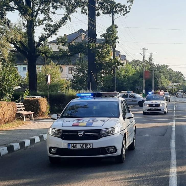 Controale in trafic  pentru asigurarea unui climat de ordine şi siguranţă publică  a cetăţenilor (video)