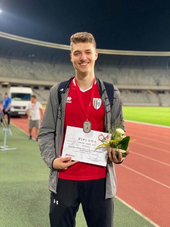 8 medalii pentru atletii ploiesteni la Campionatele Internationale de la Cluj Napoca