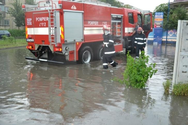 ISU Prahova.Măsuri de prevenire a situaţiilor de urgenţă.Cod portocaliu de inundatii