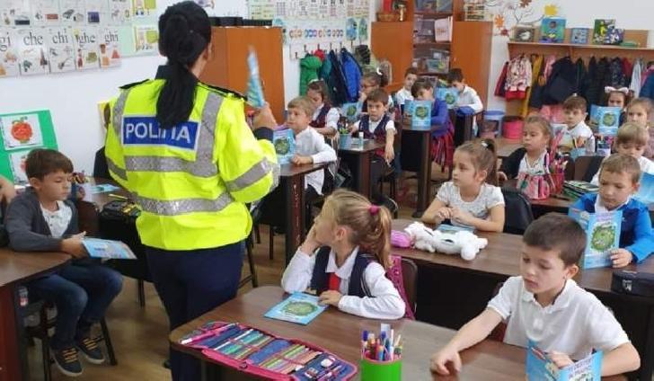 """Isi incepe activitatea """"Poliţia Siguranţă Şcolară"""""""