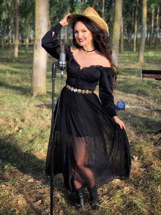 Simona Ruscu, viitoarea stea muzicală din Banat (video)