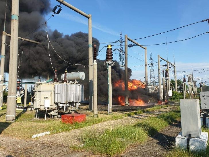 Incendiu la un transformator în comuna Floreşti Prahova