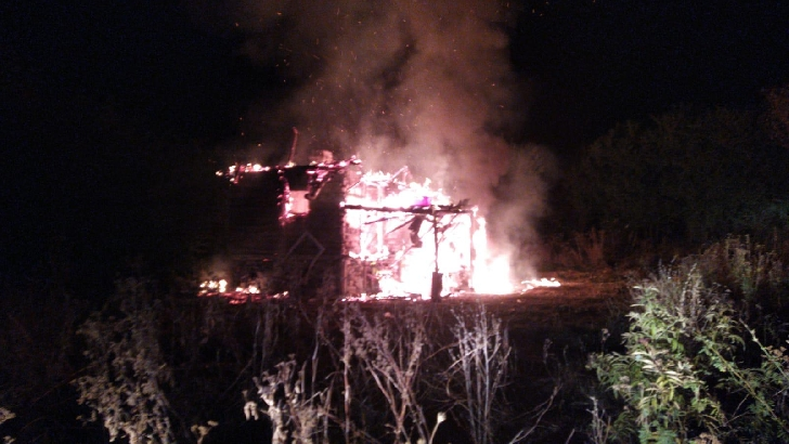 Incediu la o casă particulară din satul Bighilin, comuna Bucov (video)
