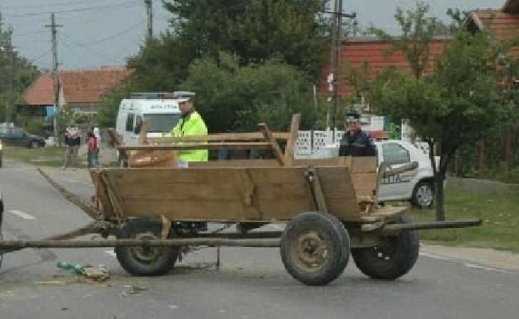 Accident rutier în Ploieşti, intre un autoturism şi o căruţă
