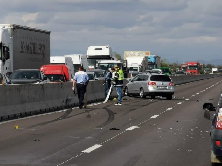 Accident rutier pe Centura de Vest a Ploiestiului, între 3 autoturisme. Un pasager a fost transportat la spital