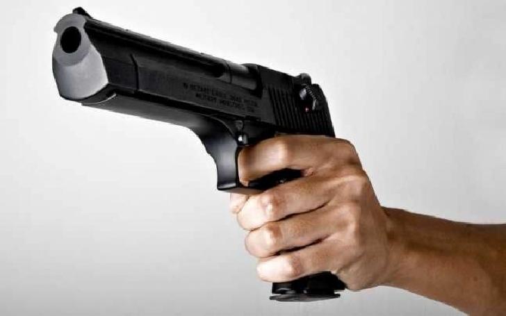 Tânărul care a împuşcat 2 elevi de la Liceul Ucecom Ploieşti a fost reţinut pentru 24 ore