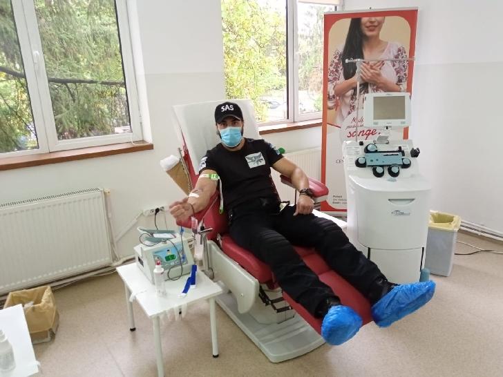 Poliţiştii prahoveni de la SAS au donat sânge şi plasma